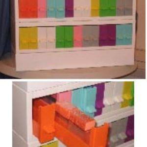 Colorteca cu separator pentru lame
